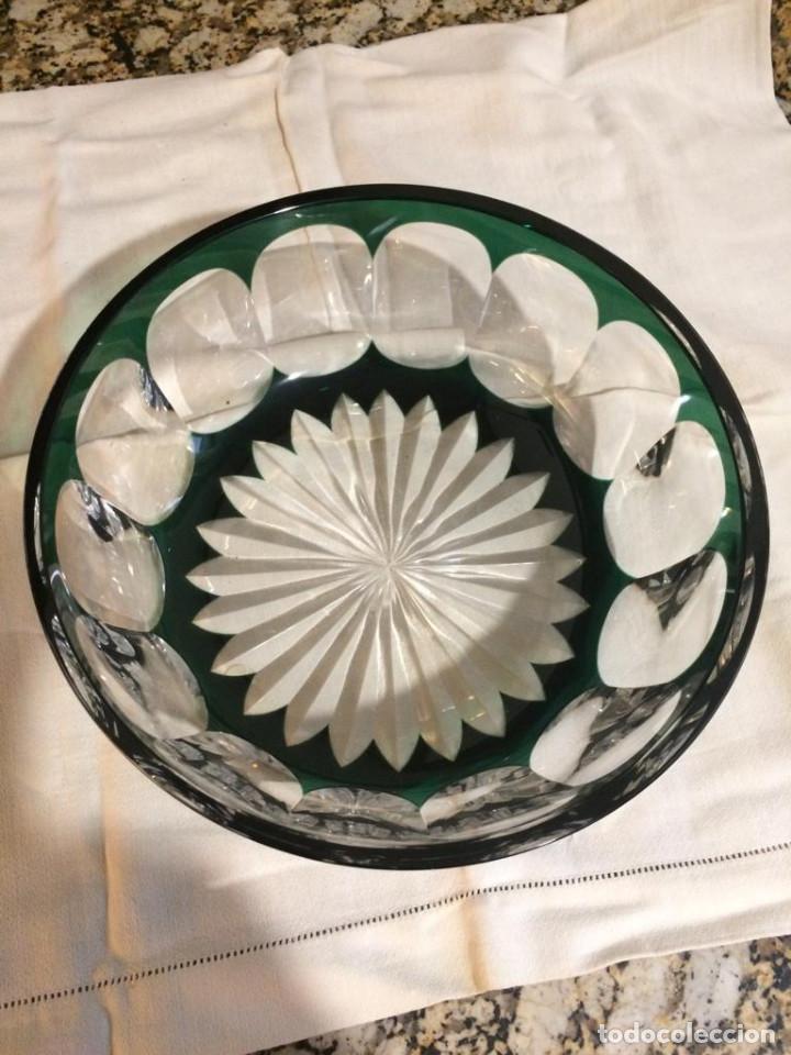 Antigüedades: Centro de mesa cristal de Bohemia, color verde. Impecable - Foto 2 - 145451206