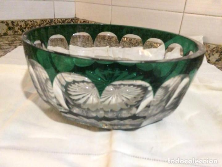 Antigüedades: Centro de mesa cristal de Bohemia, color verde. Impecable - Foto 3 - 145451206