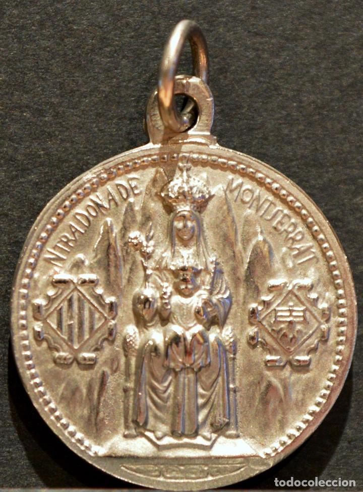 ANTIGUA MEDALLA EN ALPACA NUESTRA SEÑORA DE MONTSERRAT Y SAGRADO CORAZÓN DE JESÚS (Antigüedades - Religiosas - Medallas Antiguas)