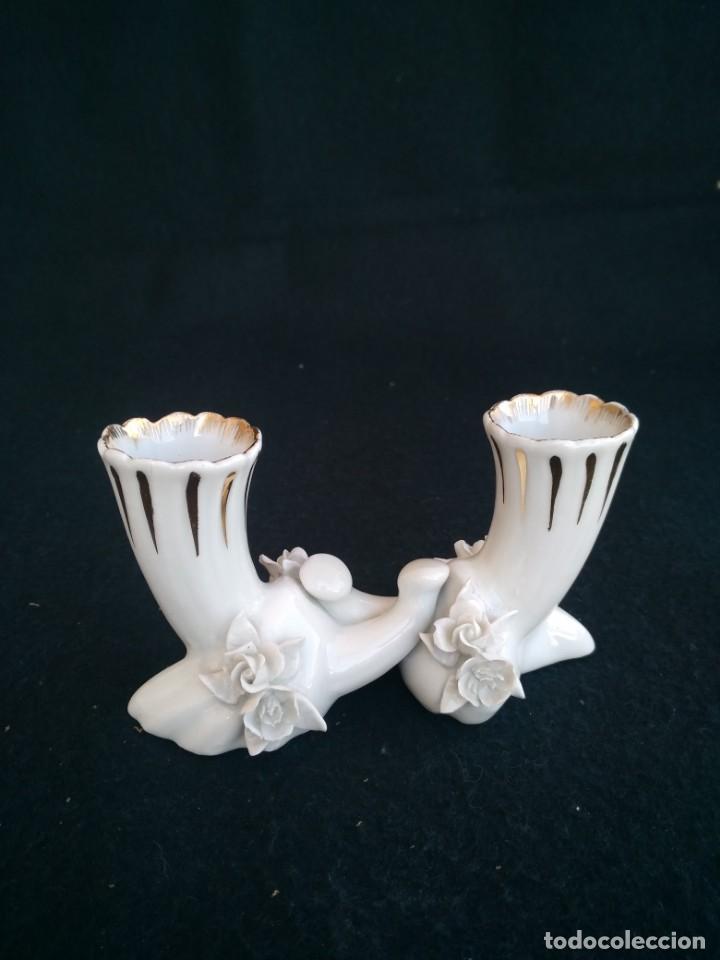 ANTIGUO CANDELABRO DE PORCELANA (Antigüedades - Porcelanas y Cerámicas - Otras)