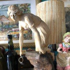 Antigüedades: FIGURA MODERNISTA - TERRACOTA -A LA FONTAINE. Lote 145601520