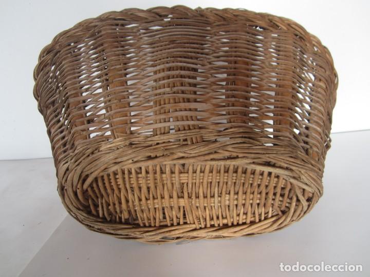Antigüedades: Antiguo cesto de mimbre catalan, para recoger fruta - Foto 4 - 145620278