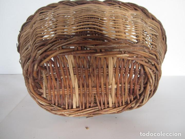 Antigüedades: Antiguo cesto de mimbre catalan, para recoger fruta - Foto 3 - 145620546