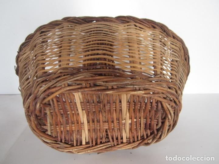Antigüedades: Antiguo cesto de mimbre catalan, para recoger fruta - Foto 4 - 145620546