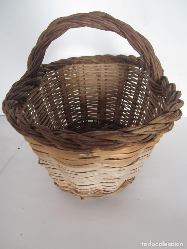 Antigüedades: Antiguo cesto de mimbre catalan, para recoger fruta - Foto 5 - 145620546