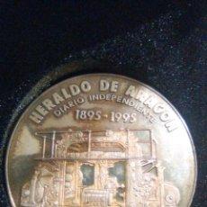 Antigüedades: MONEDA CONMEMORATIVA CENTENARIO HERALDO DE ARAGÓN DE PLATA. Lote 145622494