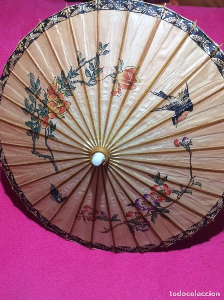 SOMBRILLA JAPONESA, ASIÁTICA. PAPEL, MADERA, PINTADA A MANO. (Antigüedades - Moda y Complementos - Mujer)