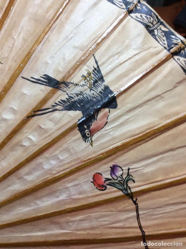 Antigüedades: Sombrilla japonesa, asiática. Papel, madera, pintada a mano. - Foto 3 - 145622714