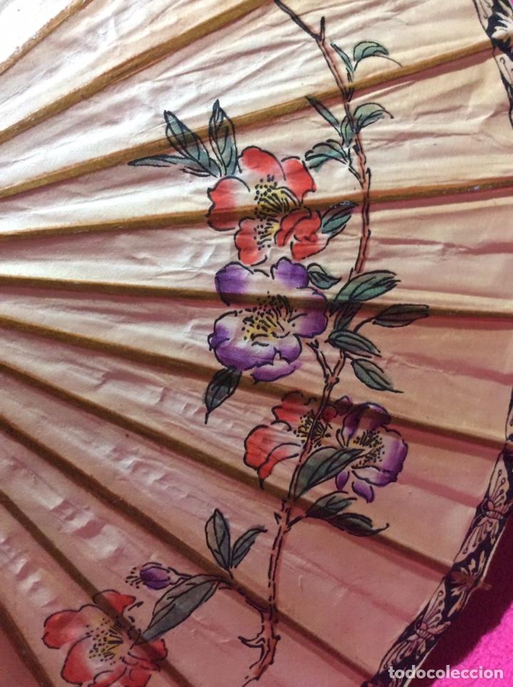 Antigüedades: Sombrilla japonesa, asiática. Papel, madera, pintada a mano. - Foto 4 - 145622714
