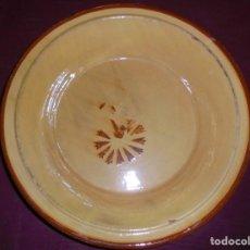 Antigüedades: MAGNIFICO GRAN PLATO ANTIGUO CATALAN SIGLO XIX CERAMICA VIDRIADA. Lote 145639342