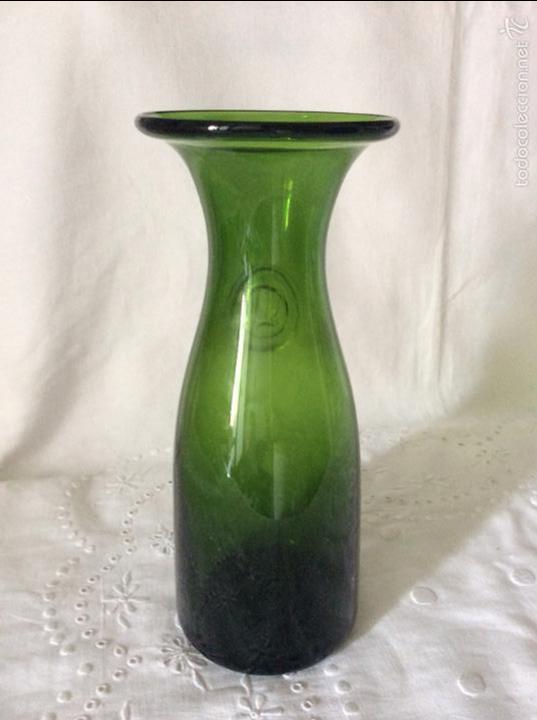 Antigüedades: Decantador en cristal de Bohemia color verde oliva - Foto 2 - 145635090