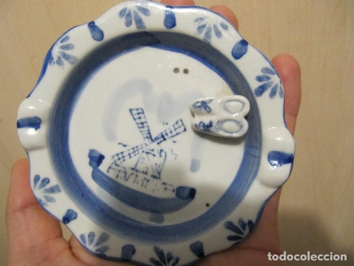 Antigüedades: Antiguo cenicero en porcelana DELFT ( Holandesa ), con zuecos en relieve. - Foto 9 - 145663442