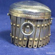 Antigüedades: BOCA TAPA RETRACTIL CIERRE DE UN MONEDERO FFS S XIX METAL DIAMETRO 6CMS. Lote 145816810