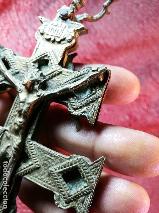Antigüedades: EXCEPCIONAL GRAN CRUZ PORTABLE DE CARAVACA-18 CM BRONCE-EXQUISITO CINCELADO-ORIGINAL S. -XVIII - Foto 17 - 145920242