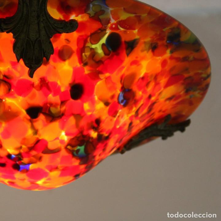 Antigüedades: Lámpara Art Nouveau Art Deco en metal dorado y cristal salpicado en colores. - Foto 3 - 145922306