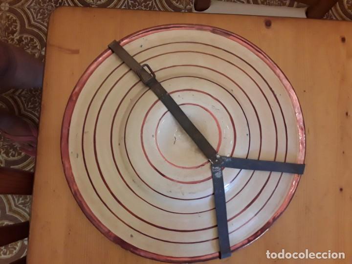Antigüedades: Plato de reflejos metálicos - Foto 2 - 145989818