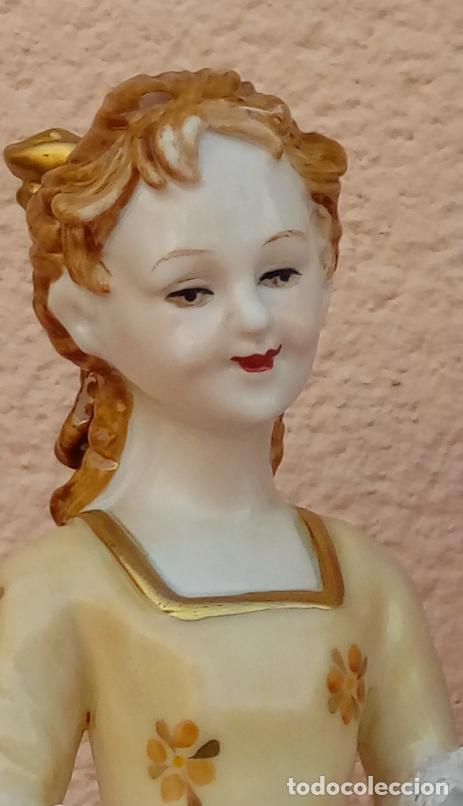 Antigüedades: PORCELANA MEISSEN, FINALES. XIX. REPRESENTA UNA DAMA CON UNA NIÑA TOCANDO EL LAÚD. 35 CMS ALTO. - Foto 6 - 146037770