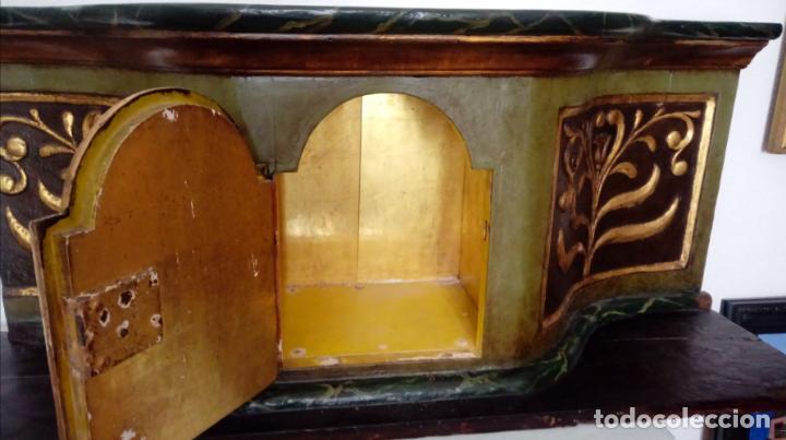 Antigüedades: SAGRARIO ESCUELA ESPAÑOLA S. XVII.MADERA TALLADA, DORADA Y POLICROMADA.127,5X53X39.5 CMS - Foto 4 - 146039330