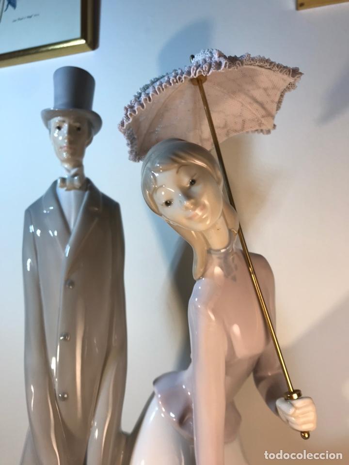 Antiques: Figura Porcelana- Lladró-Grupo con Sombrilla- 50 cm - Foto 12 - 146071933