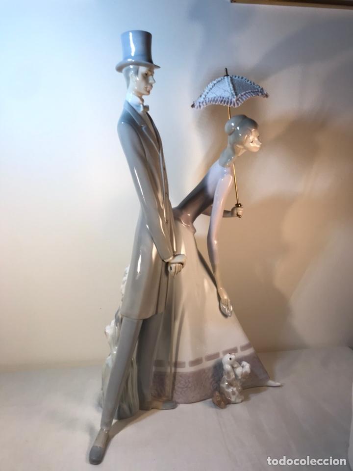 Antiques: Figura Porcelana- Lladró-Grupo con Sombrilla- 50 cm - Foto 27 - 146071933