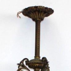 Antigüedades: PRECIOSO FANAL DE GAS DE EPOCA MODERNISTA EN BRONCE Y GLOBO EN CRISTAL OPACO. CIRCA 1910. Lote 146097898