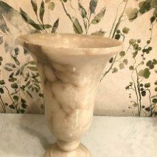 Antigüedades: JARRÓN DE MARMOL BLANCO. Lote 146113218