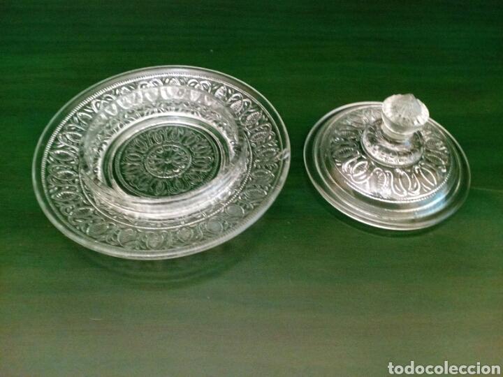 Antigüedades: Mantequillera o bombonera de cristal de principio del sigloXX - Foto 2 - 146115722