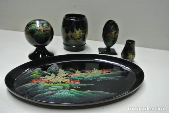 Antigüedades: Juego para escritorio. Madera lacada y pintada a mano. Chino. Oriental, Bandeja, portalapices.. - Foto 15 - 146173418