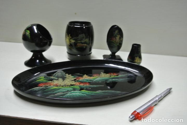 Antigüedades: Juego para escritorio. Madera lacada y pintada a mano. Chino. Oriental, Bandeja, portalapices.. - Foto 20 - 146173418