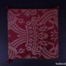 Antigüedades: ANTIGUA CARPETA CORPORAL LITURGICA COLOR GRANA BORDADA . Lote 146282182