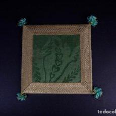 Antigüedades: ANTIGUA CARPETA CORPORAL LITURGICA COLOR VERDE Y ORO . Lote 146282806