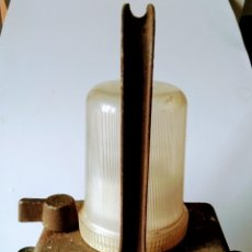 Antigüedades: LÁMPARA FERROVIARIA WONDER TIFON. Lote 146357790
