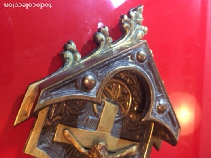 Antigüedades: Antigua benditera bronce altar de Cristo - Foto 3 - 146424014