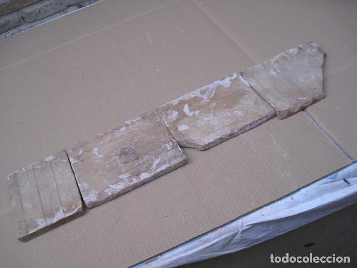Antigüedades: LOTE DE 4 AZULEJOS ANTIGUOS DE MANISES / VALENCIA. S/ XIX -XX. / 3 - Foto 4 - 146435230
