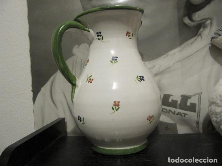 Antigüedades: JARRA CON FLORECILLAS PUENTE DEL ARZOBISPO FIRMA CASAS-RARO - Foto 4 - 146447822