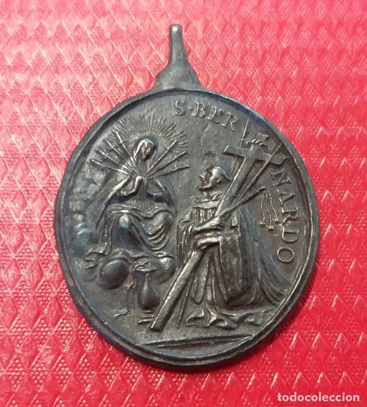 - 5 CMTS. GRAN MEDALLA, SIGLO XVIII, APARICION VIRGEN A SAN BERNARDO (Antigüedades - Religiosas - Medallas Antiguas)
