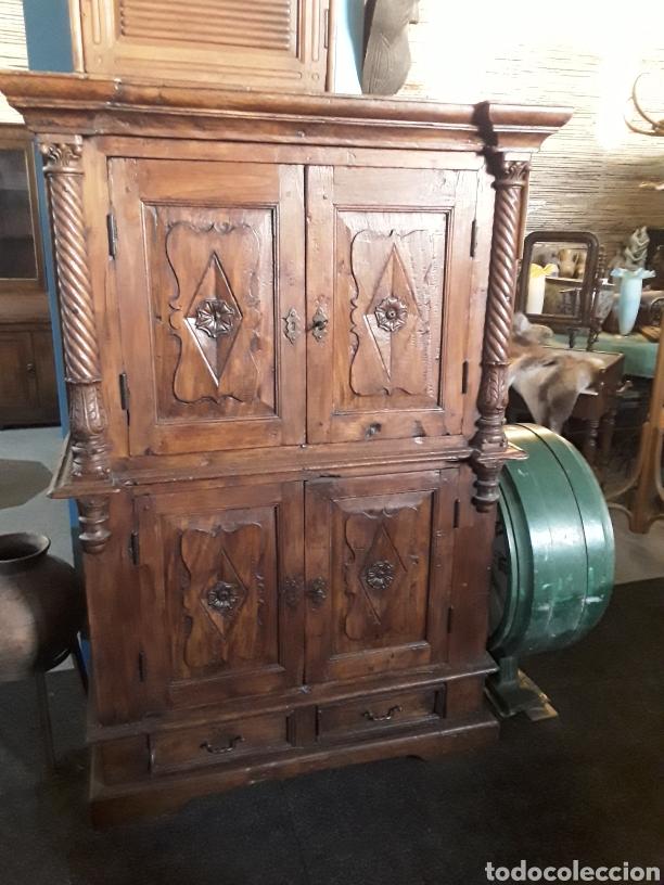 MUEBLE TALLADO (Antigüedades - Muebles Antiguos - Armarios Antiguos)