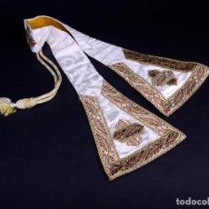 Antigüedades: ANTIGUO MANIPULO BLANCO CON BORDADOS ORO. Lote 146499610