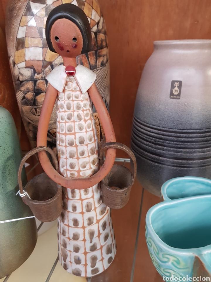FIGURA MUÑECA CERÁMICA POR JORDI AGUADE (Antigüedades - Porcelanas y Cerámicas - Catalana)