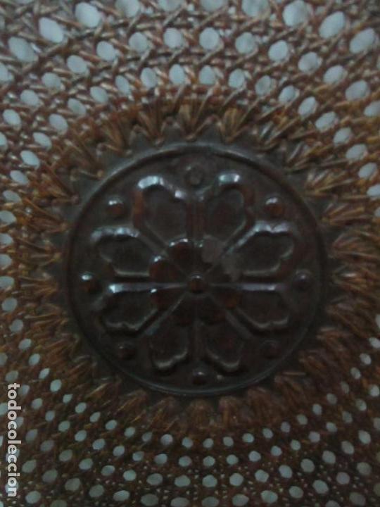 Antigüedades: Pareja de Sillas - Madera de Haya, Tallada y Torneada - Tapicería en Terciopelo y Rejilla, Perfecta - Foto 9 - 146527370