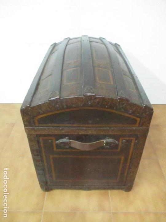 Antigüedades: Bonito Baúl Antiguo - Madera y Metal - Asas de Cuero - 77 cm Ancho - S. XIX - Foto 12 - 146531074