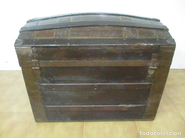 Antigüedades: Bonito Baúl Antiguo - Madera y Metal - Asas de Cuero - 77 cm Ancho - S. XIX - Foto 16 - 146531074