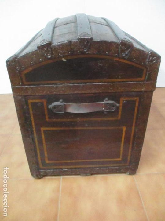 Antigüedades: Bonito Baúl Antiguo - Madera y Metal - Asas de Cuero - 77 cm Ancho - S. XIX - Foto 19 - 146531074