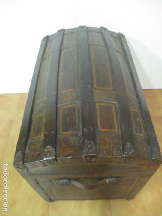Antigüedades: Bonito Baúl Antiguo - Madera y Metal - Asas de Cuero - 77 cm Ancho - S. XIX - Foto 22 - 146531074