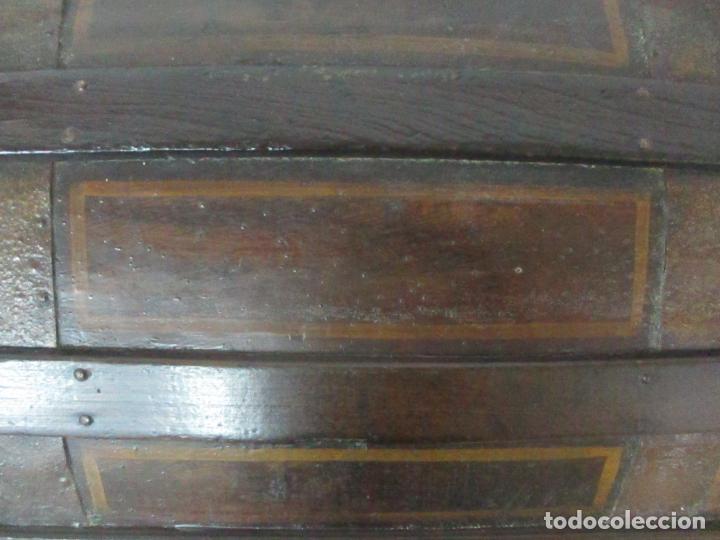 Antigüedades: Bonito Baúl Antiguo - Madera y Metal - Asas de Cuero - 77 cm Ancho - S. XIX - Foto 25 - 146531074