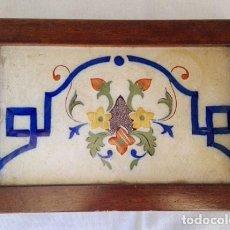 Antigüedades: ANTIGUA BALDOSA ENMARCADA , MOTIVO CENEFA DE COLORES. Lote 146558822