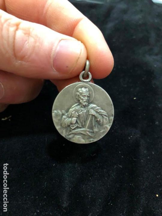 ANTIGUA MEDALLA DE PLATA DE SAN PEDRO - MEDIDA 2,5 CM (Antigüedades - Platería - Plata de Ley Antigua)