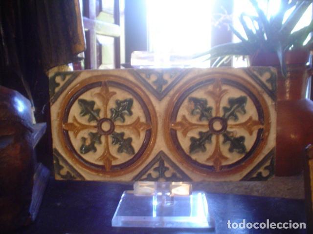 ANTIGUO AZULEJO ARISTA XVIII TRIANA (Antigüedades - Porcelanas y Cerámicas - Otras)