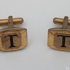 Antigüedades: ANTIGUOS GEMELOS DORADOS CON INICIAL T. Lote 146645022
