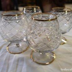 Antigüedades: LOTE 4 COPAS DE LICOR. CANTO EN ORO. AÑOS 50.. Lote 146663646